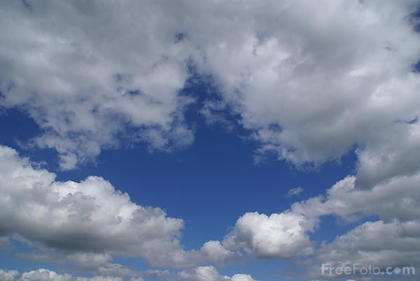 808_31_3772---Blue-sky-and-white-clouds_web